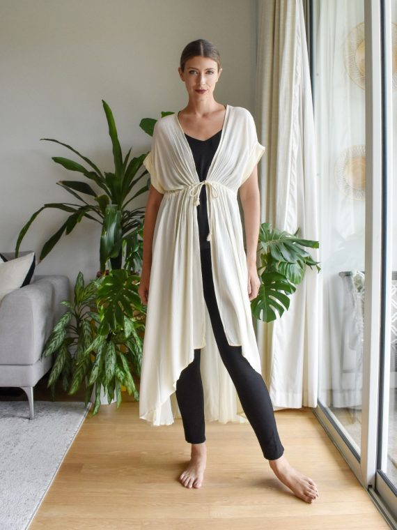Simone Irani – Ren, Off-White Cape 1